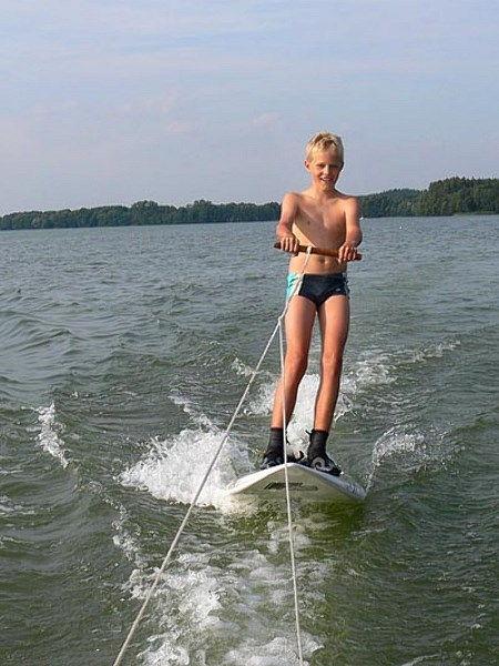gry, zabawy, zawody w wodzie - HORN